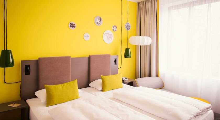 vienna house easy berlin berlin deutschland. Black Bedroom Furniture Sets. Home Design Ideas