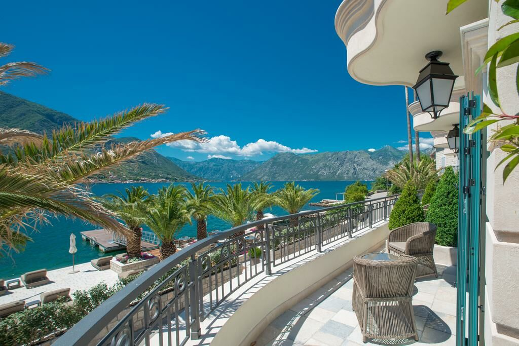 Hotel forza terra a design boutique hotel kotor montenegro for Hotel design kotor