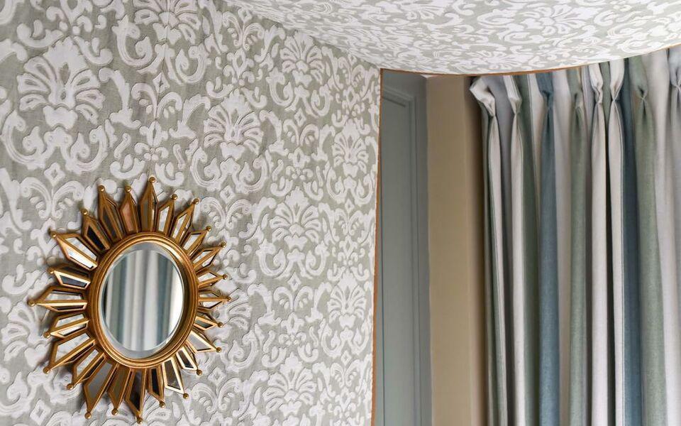 grand h tel du lion d 39 or romorantin francia. Black Bedroom Furniture Sets. Home Design Ideas