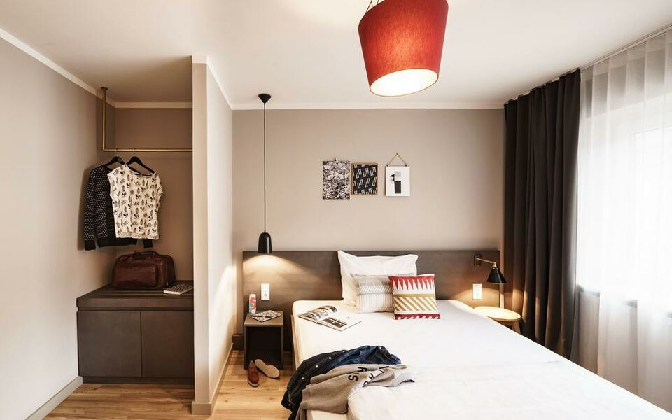 bold hotel m nchen zentrum a design boutique hotel munich germany. Black Bedroom Furniture Sets. Home Design Ideas