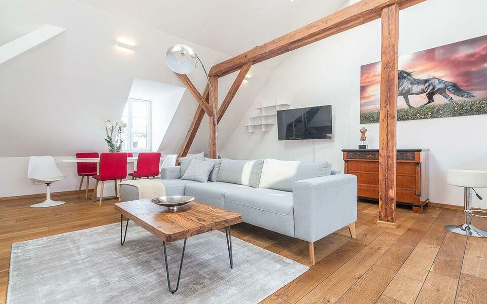 megan penthouse laim m nchen deutschland. Black Bedroom Furniture Sets. Home Design Ideas