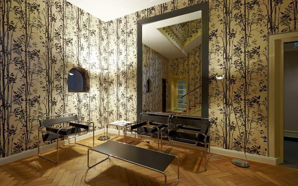 design hotel stadt rosenheim a design boutique hotel munich germany. Black Bedroom Furniture Sets. Home Design Ideas