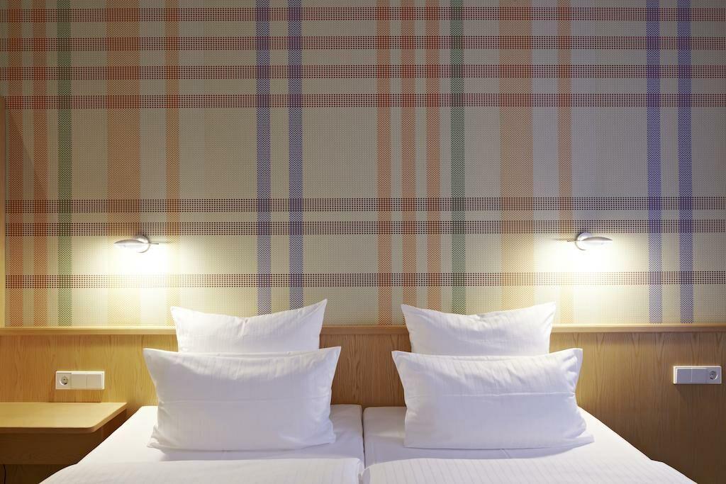 design hotel stadt rosenheim m nchen deutschland. Black Bedroom Furniture Sets. Home Design Ideas