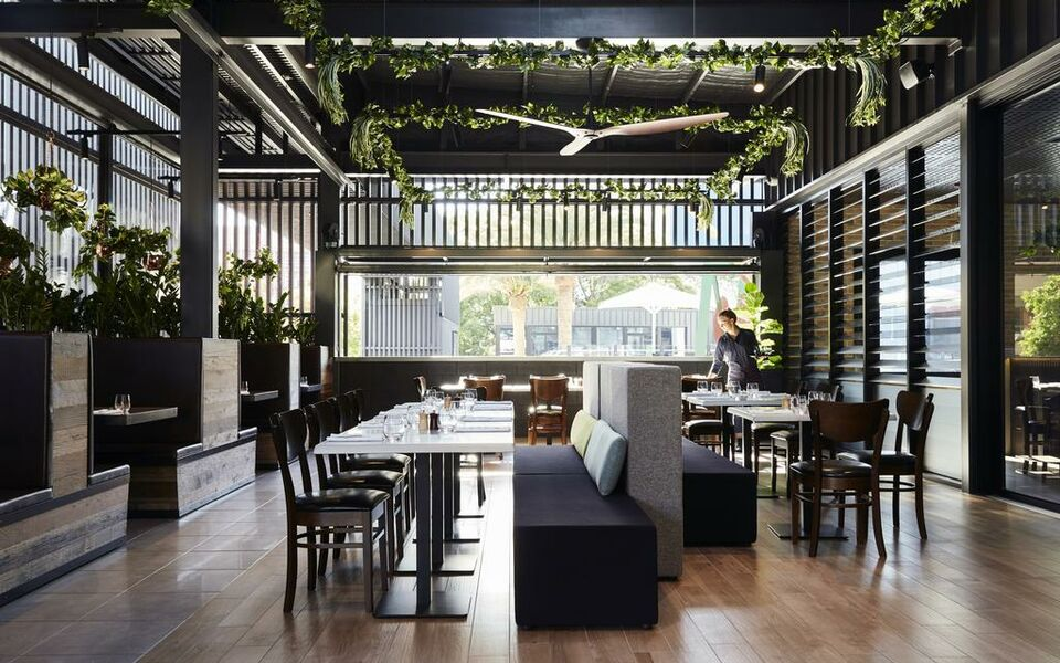 Art series the johnson a design boutique hotel brisbane for Best private dining rooms brisbane