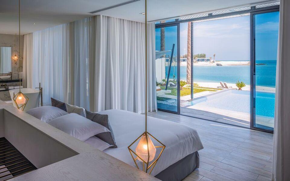 Zaya Nurai Island Resort Abu Dhabi 005 Lavish Glass Wall Family Room