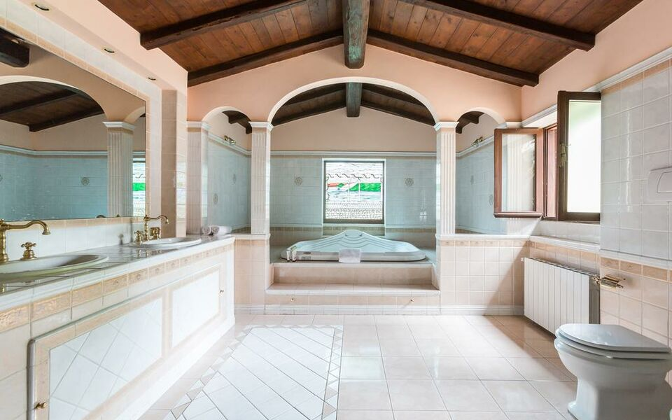 onefinestay - Centre of Rome private homes, Rome (49)
