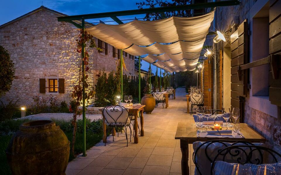 Relais chateaux wine hotel and restaurant meneghetti a for Boutique hotel croatie