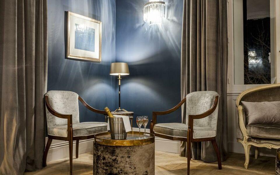ch teau saint pierre de serjac a design boutique hotel puissalicon france. Black Bedroom Furniture Sets. Home Design Ideas