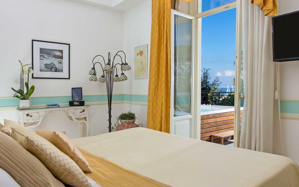Luxury villa excelsior parco a design boutique hotel for Boutique hotel capri