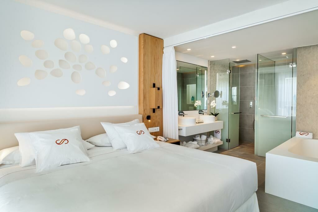 Royal hideaway corales suites by barcel hotel group for Boutique hotel group