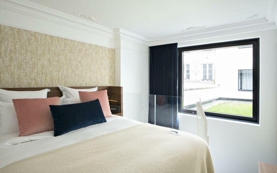 Hotel parister a design boutique hotel paris france for Best design boutique hotels paris