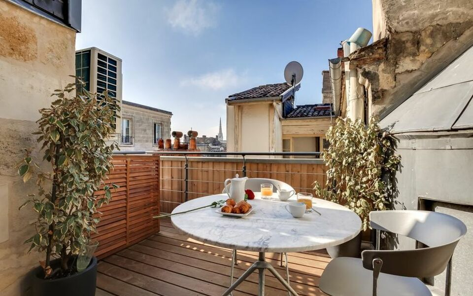 Appartements Place Gambetta - YBH, Bordeaux (1)