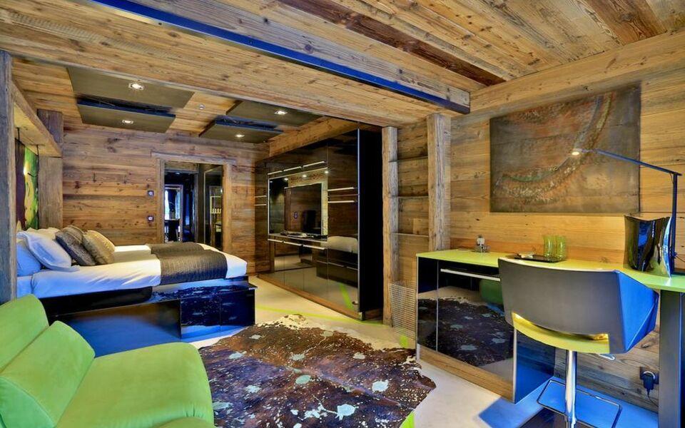 chalet quezac le villaret frankreich. Black Bedroom Furniture Sets. Home Design Ideas