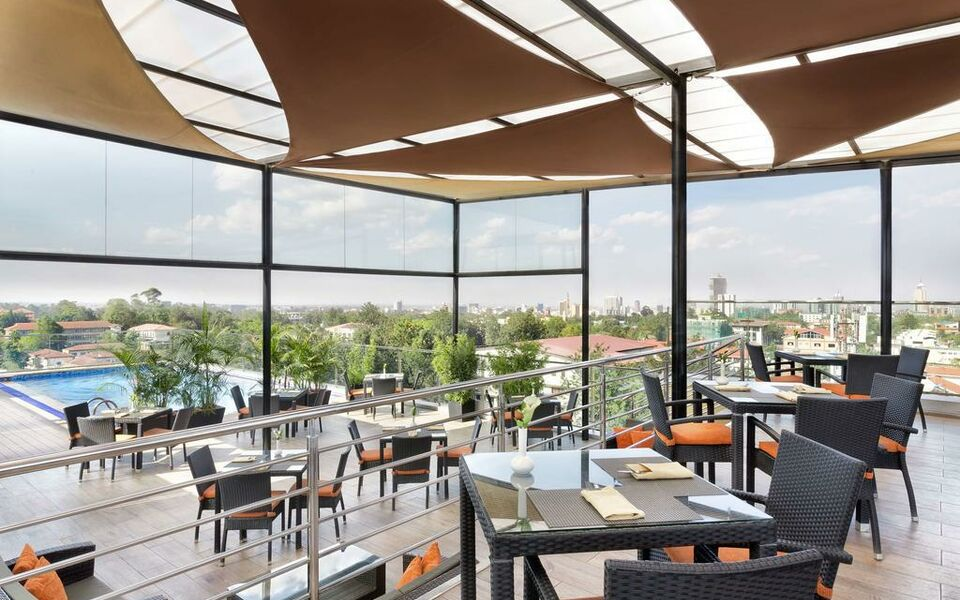 Four points by sheraton nairobi hurlingham a design for Pool garden restaurant nairobi