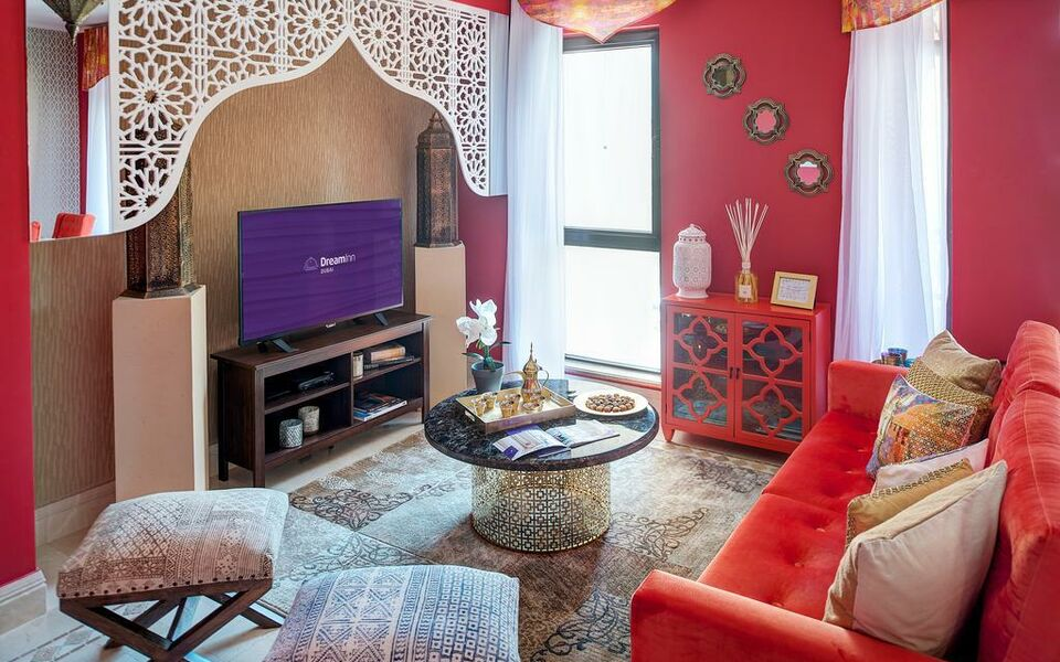 Dream inn dubai apartments old town miska a design for Boutique design hotel dubai