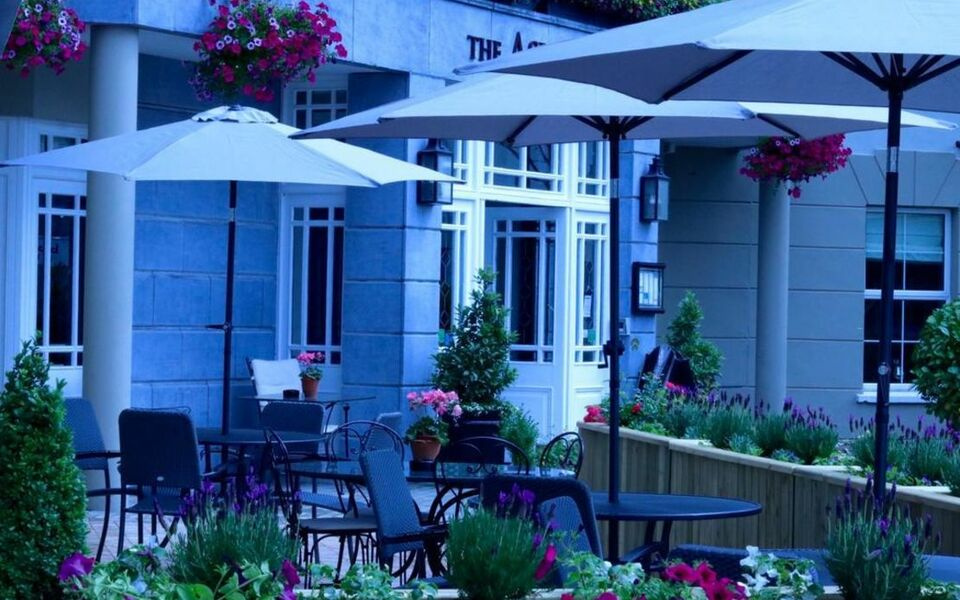The ashe hotel tralee irland for Hotels in tralee with swimming pool
