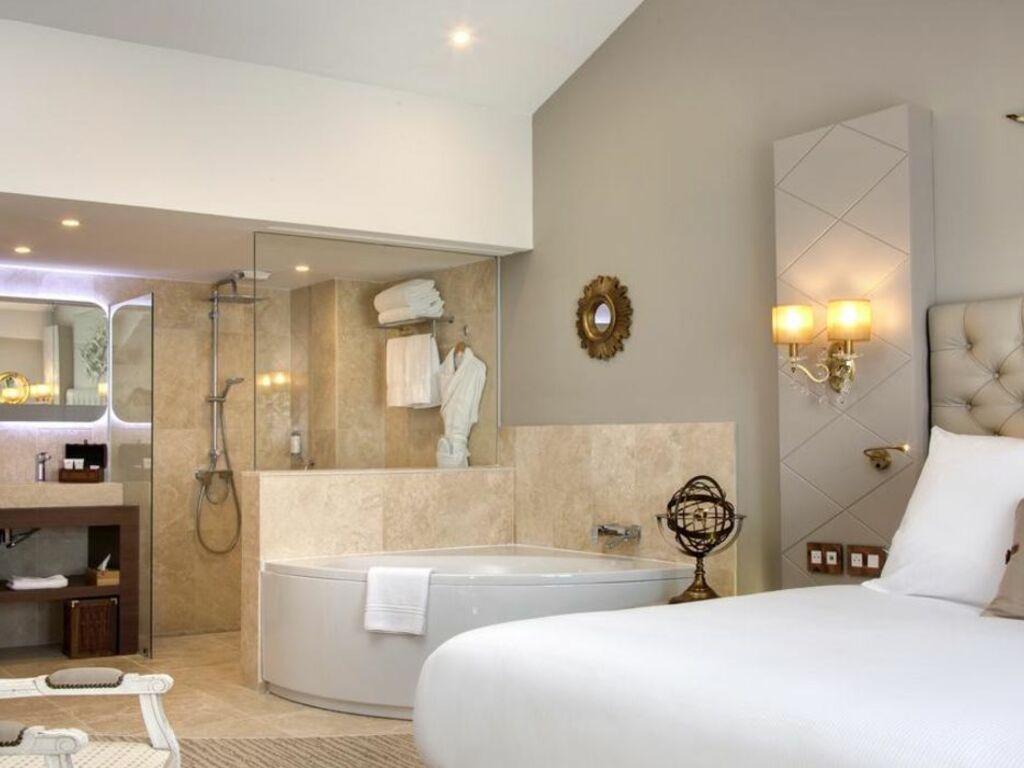 Grand Hotel Des Sablettes Plage Curio Collection By Hilton A Design Boutique Hotel La Seyne Sur Mer France