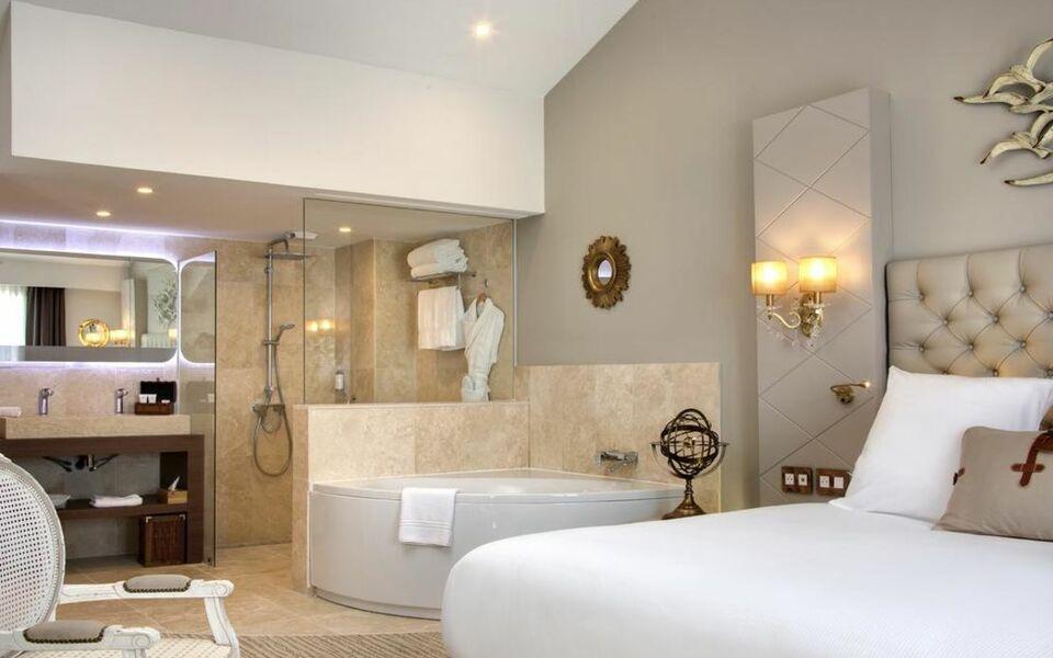 Grand Hotel Des Sablettes Plage Curio Collection By Hilton