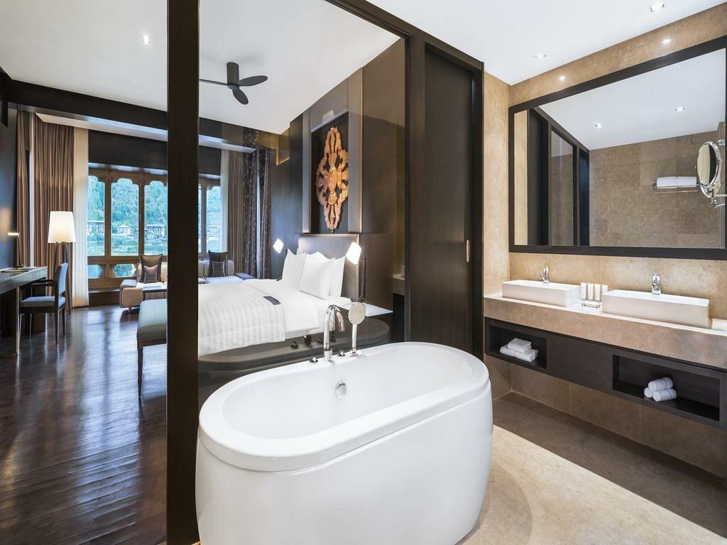 le meridien paro riverfront paro bhoutan my boutique hotel. Black Bedroom Furniture Sets. Home Design Ideas