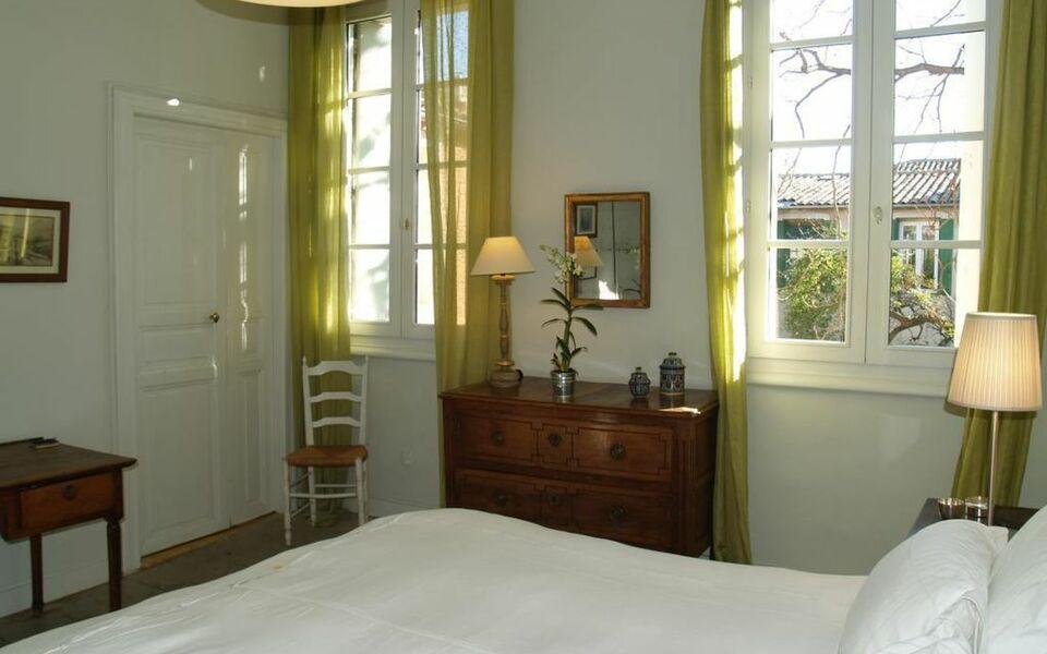 la merci chambres d 39 h tes a design boutique hotel montpellier france. Black Bedroom Furniture Sets. Home Design Ideas