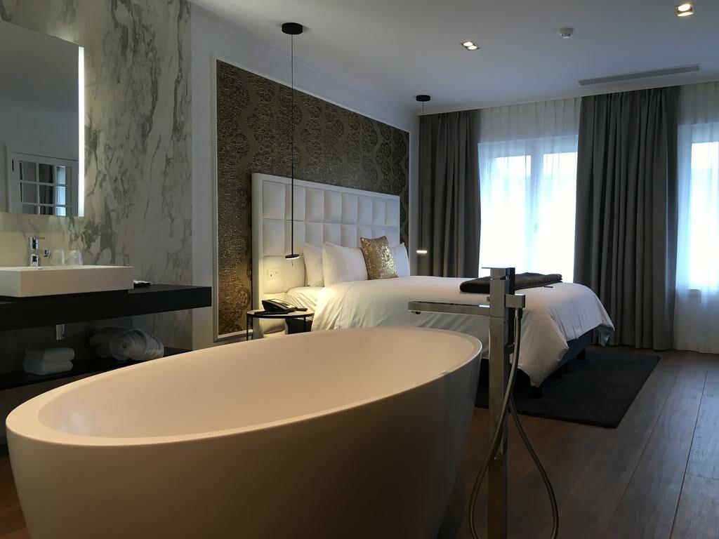 hotel rubens grote markt anvers belgique my boutique hotel. Black Bedroom Furniture Sets. Home Design Ideas