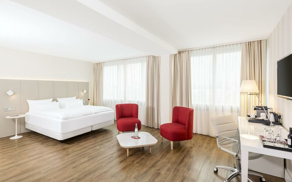 Nh collection k ln mediapark a design boutique hotel k ln for Designer hotel koln