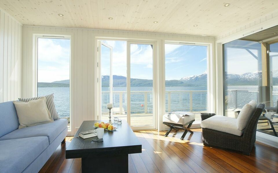 Malangen resort a design boutique hotel mestervik norway for My boutique hotel