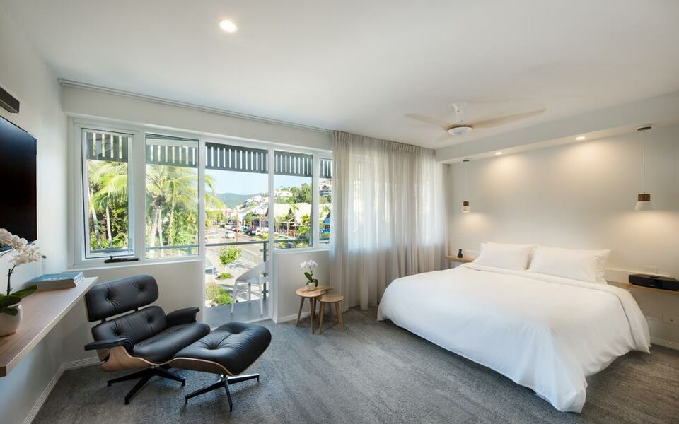 Heart Hotel and Gallery Whitsundays, Airlie Beach (1)