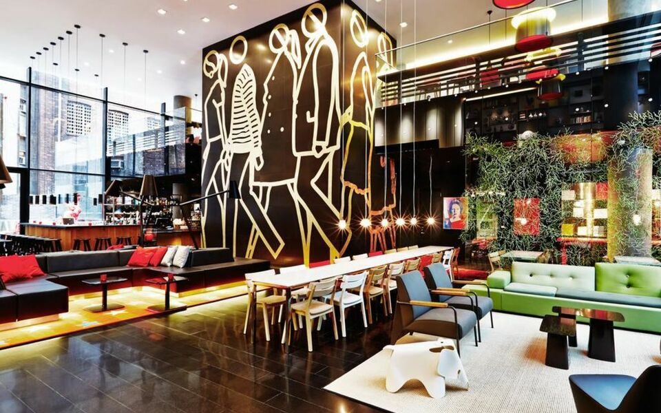 Citizenm new york times square a design boutique hotel for Top boutique hotels in nyc