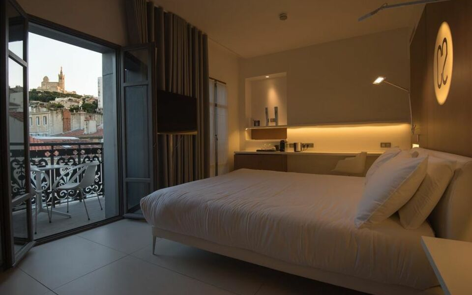 hotel c2 marseille france my boutique hotel. Black Bedroom Furniture Sets. Home Design Ideas
