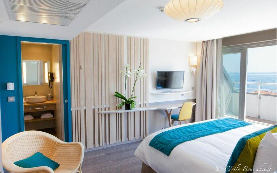 Hotel le b d 39 arcachon a design boutique hotel arcachon for Hotel b design
