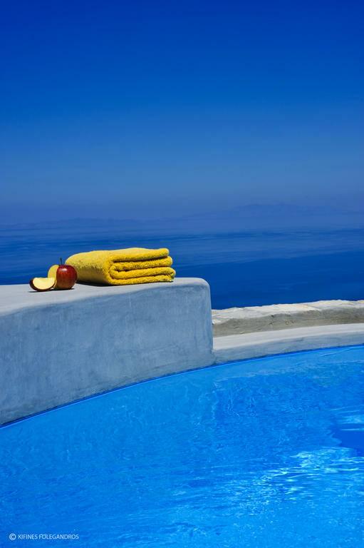 Kifines suites folegandros grecia - Hotel con piscina privata grecia ...