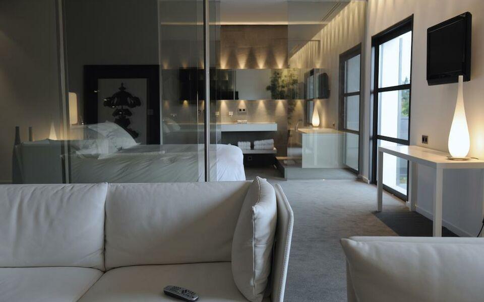 Bdesign & Spa, a Design Boutique Hotel Paradou, France