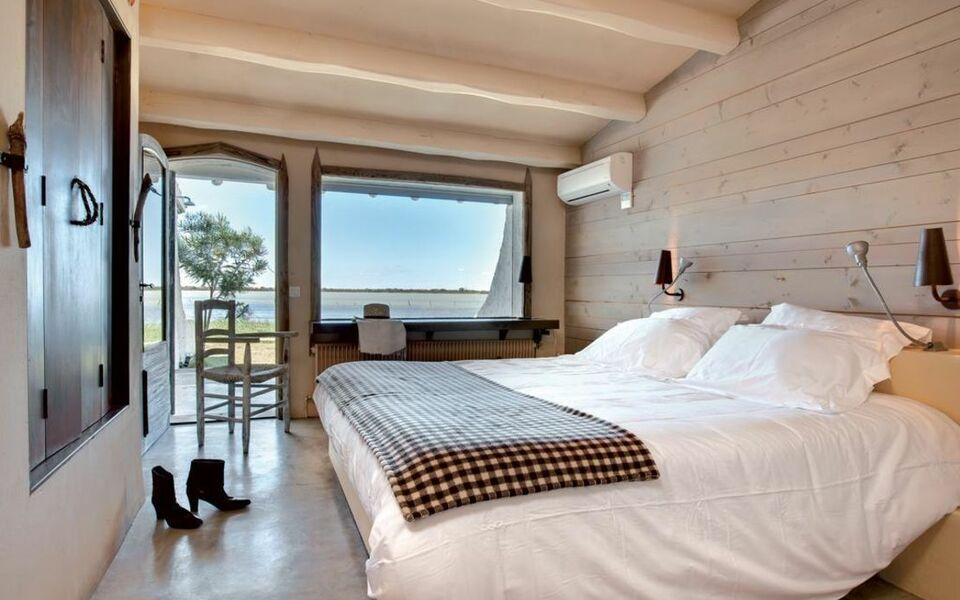 Hotel Lodge Sainte Helene Saintes Maries De La Mer
