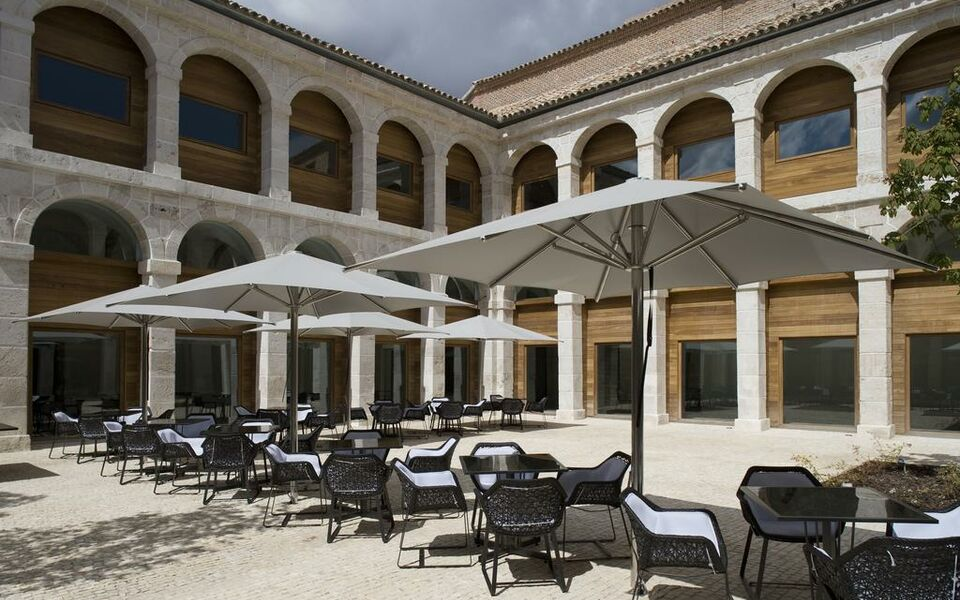 Parador de alcal de henares a design boutique hotel - Arquitectos alcala de henares ...