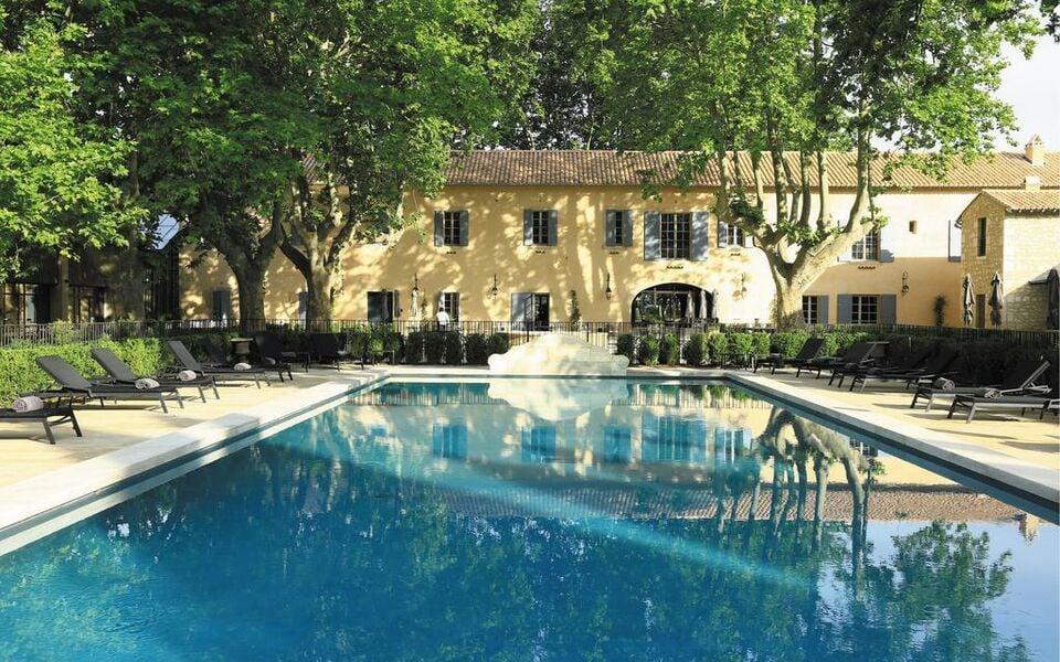 Domaine de manville a design boutique hotel les baux de for Hotel design provence