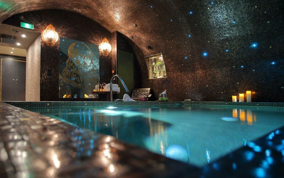 H tel da vinci spa a design boutique hotel paris france for Hotel design paris 8