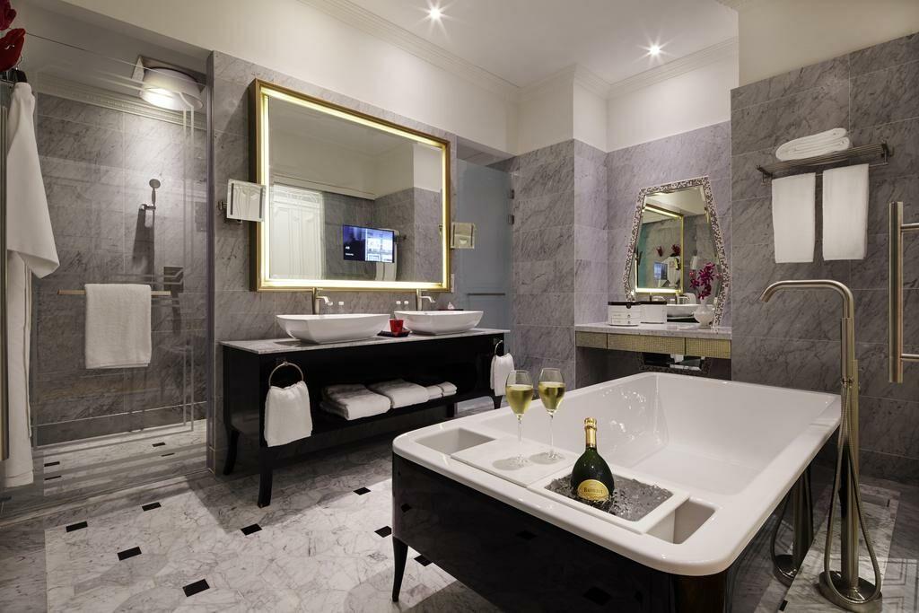 so sofitel singapore singapour singapour my boutique hotel. Black Bedroom Furniture Sets. Home Design Ideas
