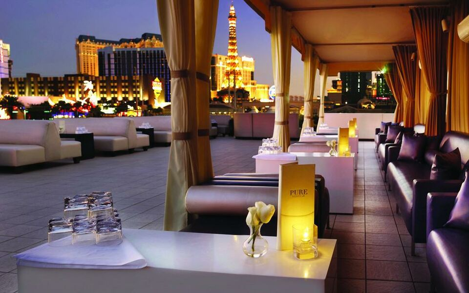 Nobu hotel at caesars palace a design boutique hotel las for Boutique design hotels
