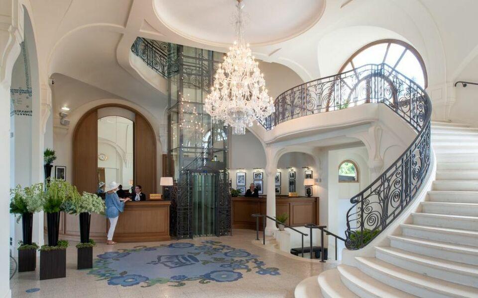 h tel royal a design boutique hotel vian les bains france. Black Bedroom Furniture Sets. Home Design Ideas
