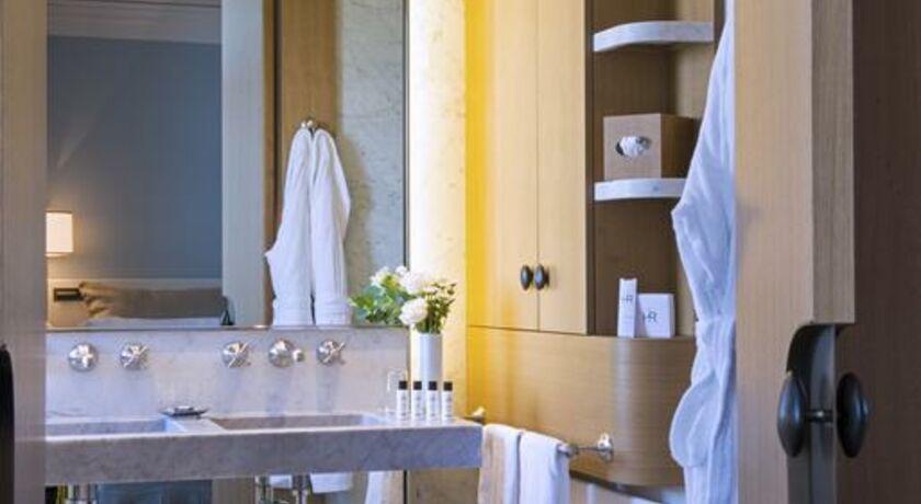 H tel royal vian les bains france my boutique hotel - Bureau de change enghien les bains ...