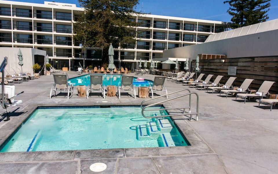 Hotel Paradox A Marriott Luxury Lifestyle