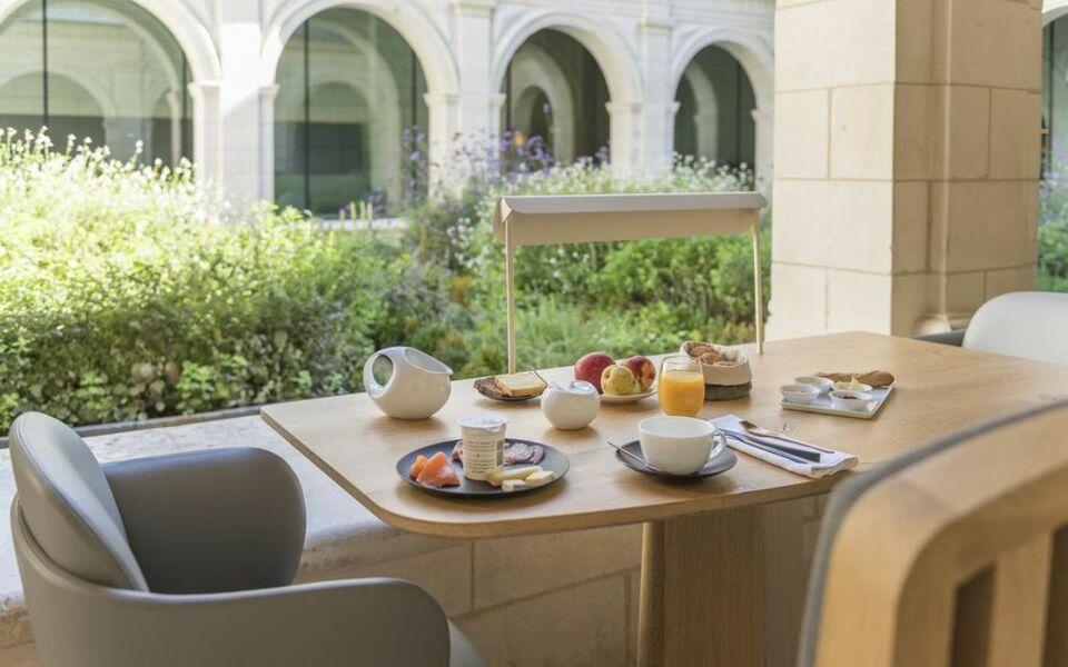 fontevraud l 39 h tel a design boutique hotel fontevraud l. Black Bedroom Furniture Sets. Home Design Ideas