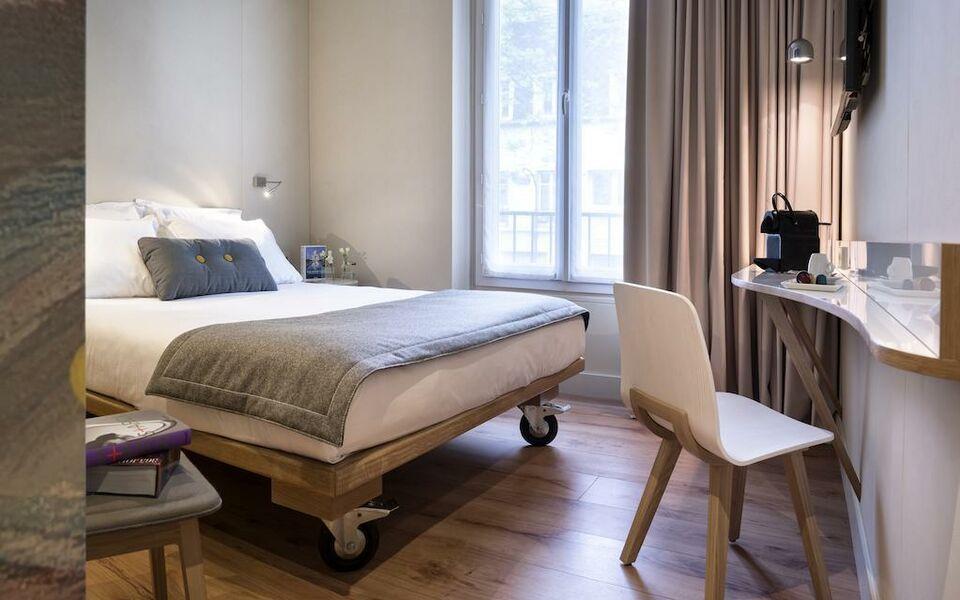 Hotel max a design boutique hotel paris france for Hotel design france