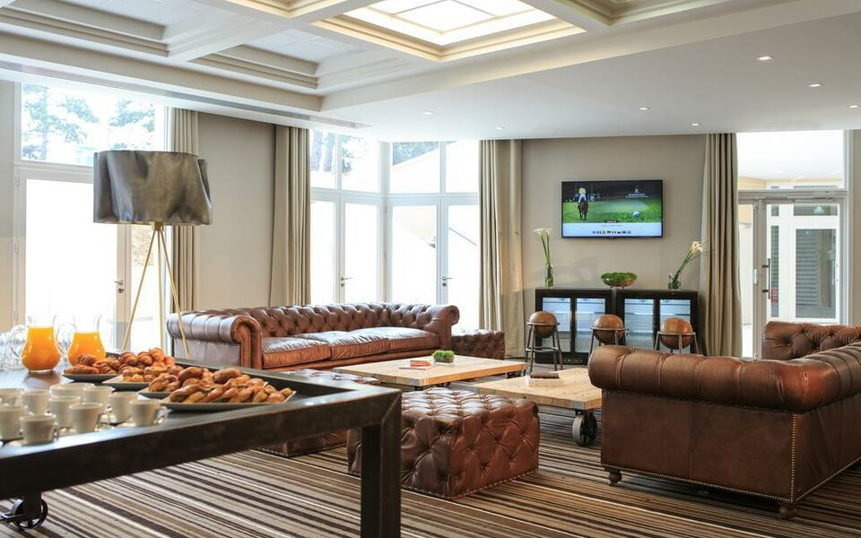 renaissance paris hippodrome de st cloud hotel rueil malmaison france my boutique hotel. Black Bedroom Furniture Sets. Home Design Ideas