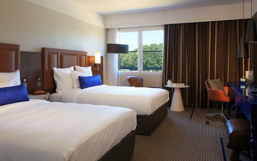 renaissance paris hippodrome de st cloud hotel rueil. Black Bedroom Furniture Sets. Home Design Ideas