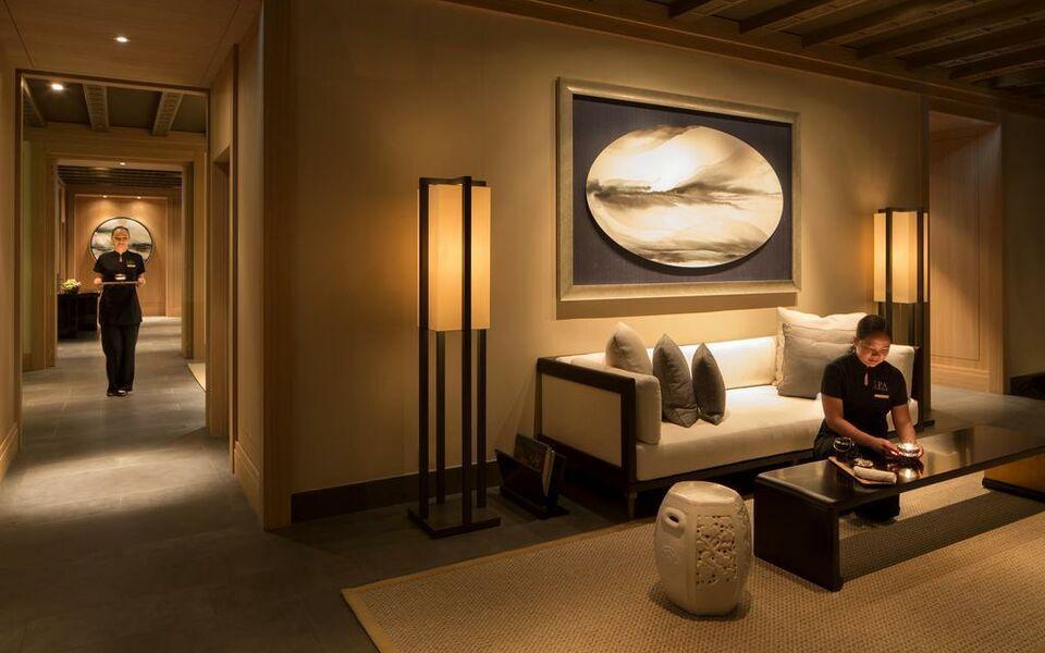 hotel the peninsula paris a design boutique hotel paris. Black Bedroom Furniture Sets. Home Design Ideas