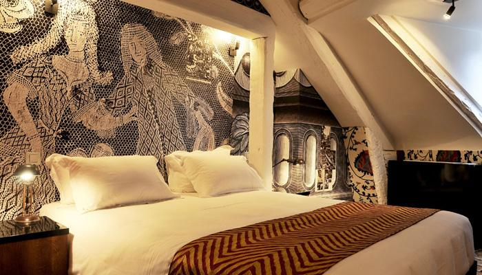 saint paris chat rooms Book the hotel le saint in paris & read reviews best price guarantee located in 7th arrondissement, this hotel is within a 10-minute walk of.