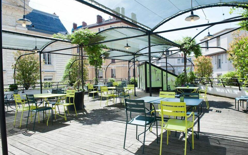 coll ge h tel lyon france my boutique hotel. Black Bedroom Furniture Sets. Home Design Ideas