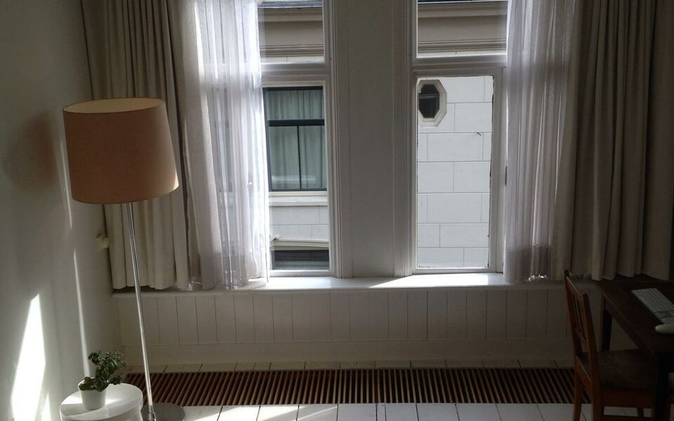 Miauw Suites, canal view city centre hotel, Amsterdam, Centrum (3)